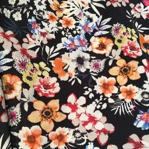 Zara Tops - {Zara Trafaluc} floral crop flowy tank